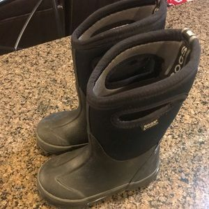 Bogs Classic Black with Handles Size Kids 10